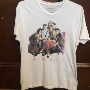 Friends T-shirt size large